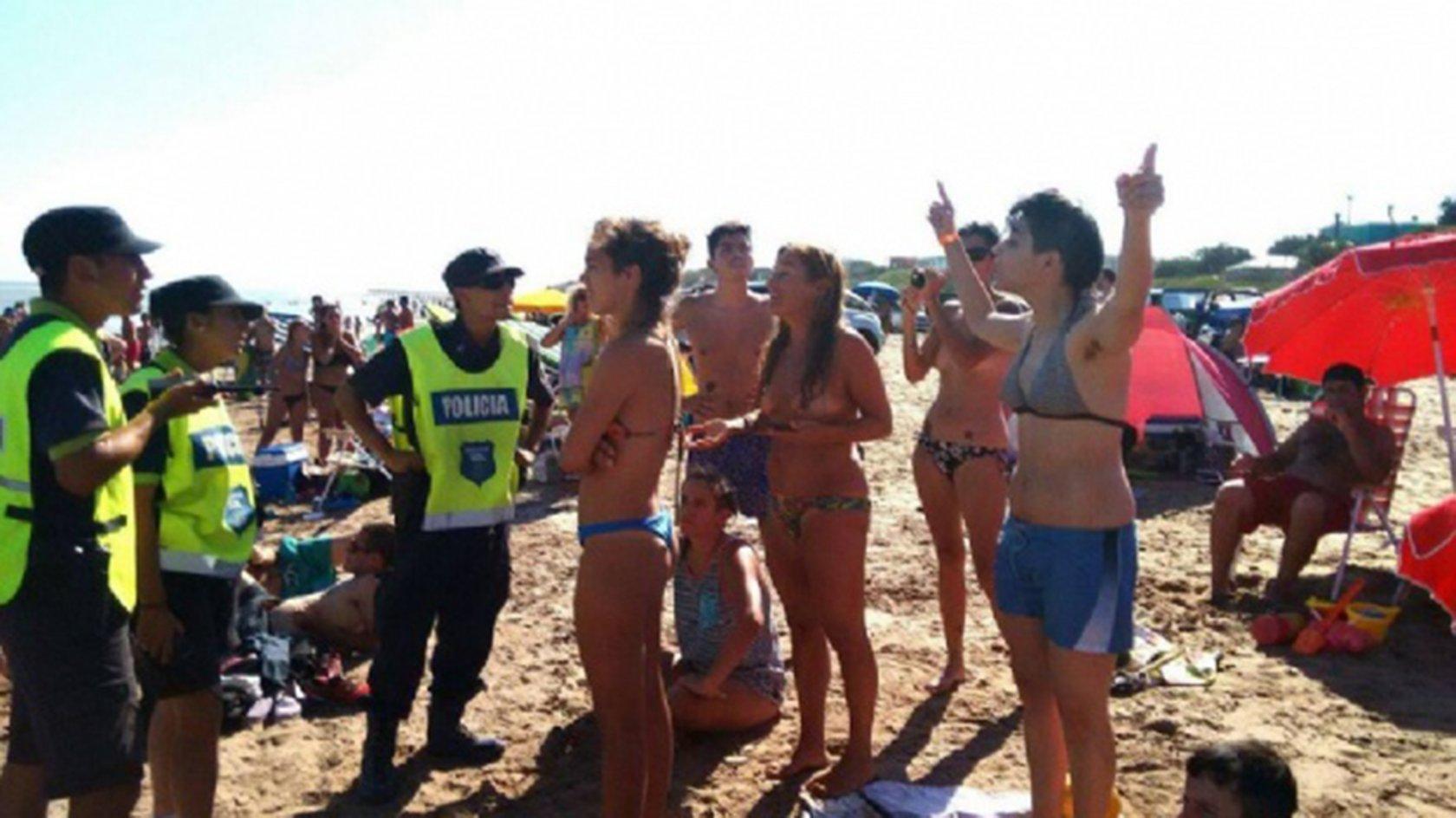 Фото президент-женщина аргентины фото голая показать член
