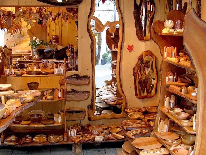 Специализированные ярмарки для продажи поделок из дерева