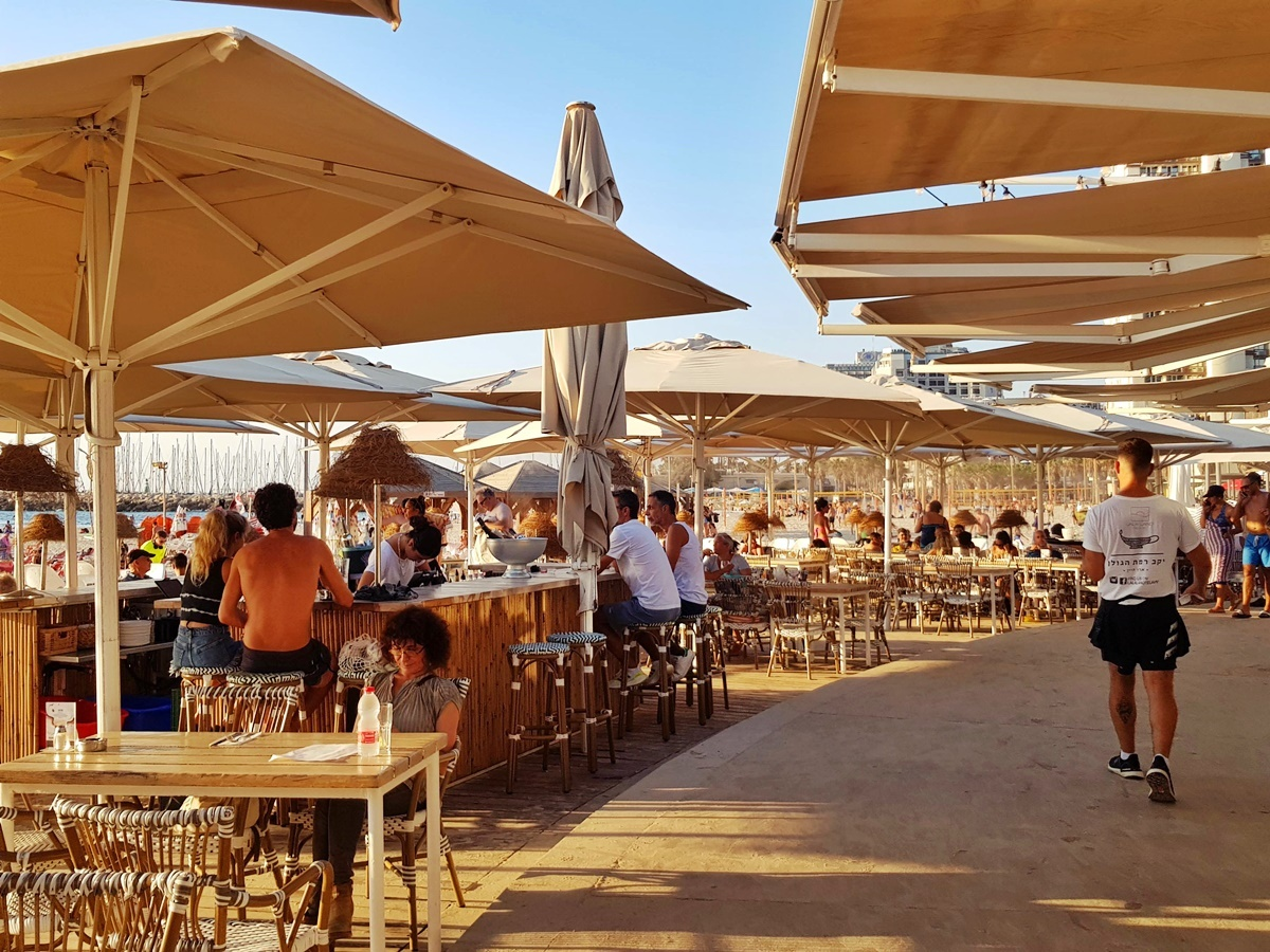Ресторан Лала ленд на пляже Гордон. Тель-Авив. Где поесть в Изриале?