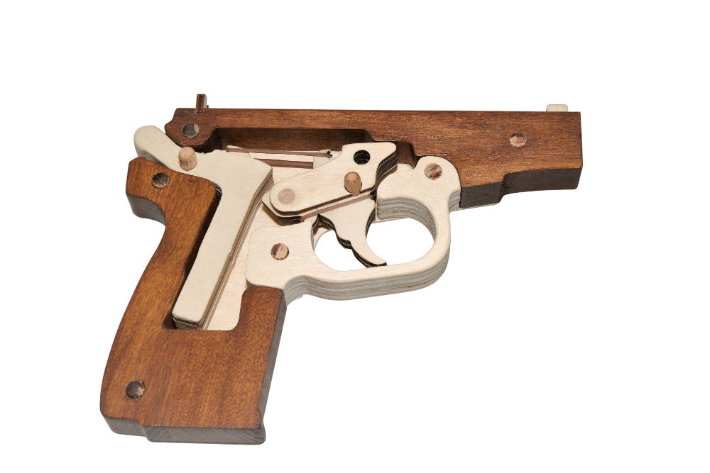 Пистолеты из дерева картинки схемы