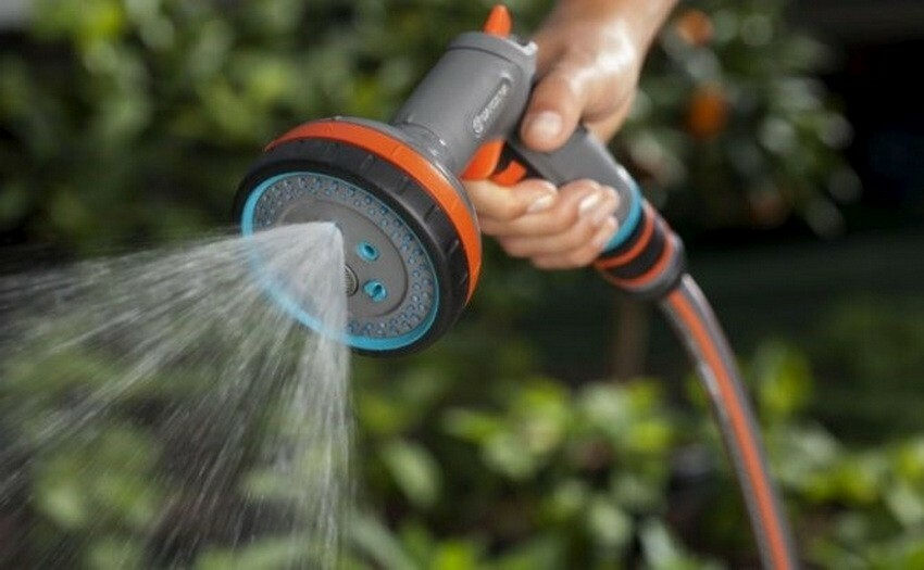 Подкислители в поливную воду следует добавлять не реже одного раза в одну - две недели