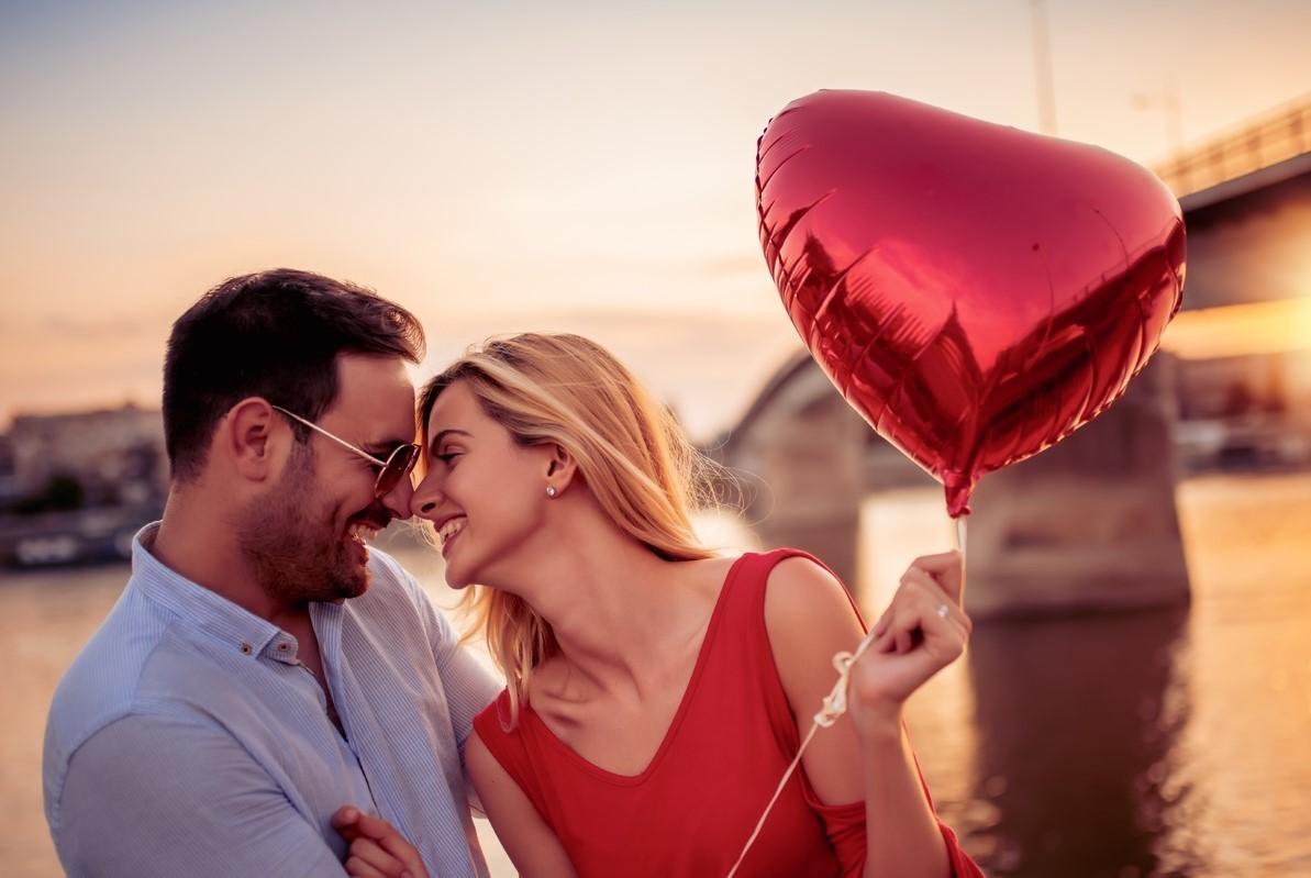 """<em style=""""color: rgb(0, 0, 0); font-weight: 600; font-size: 18px;"""">Лекция 4</em><br />Как влюбить в себя мужчину?"""