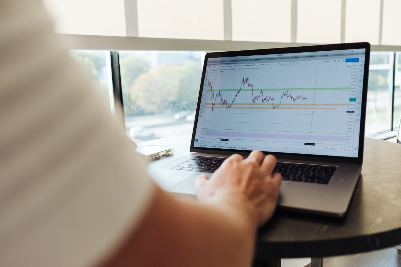 cryptocurrency market stocks