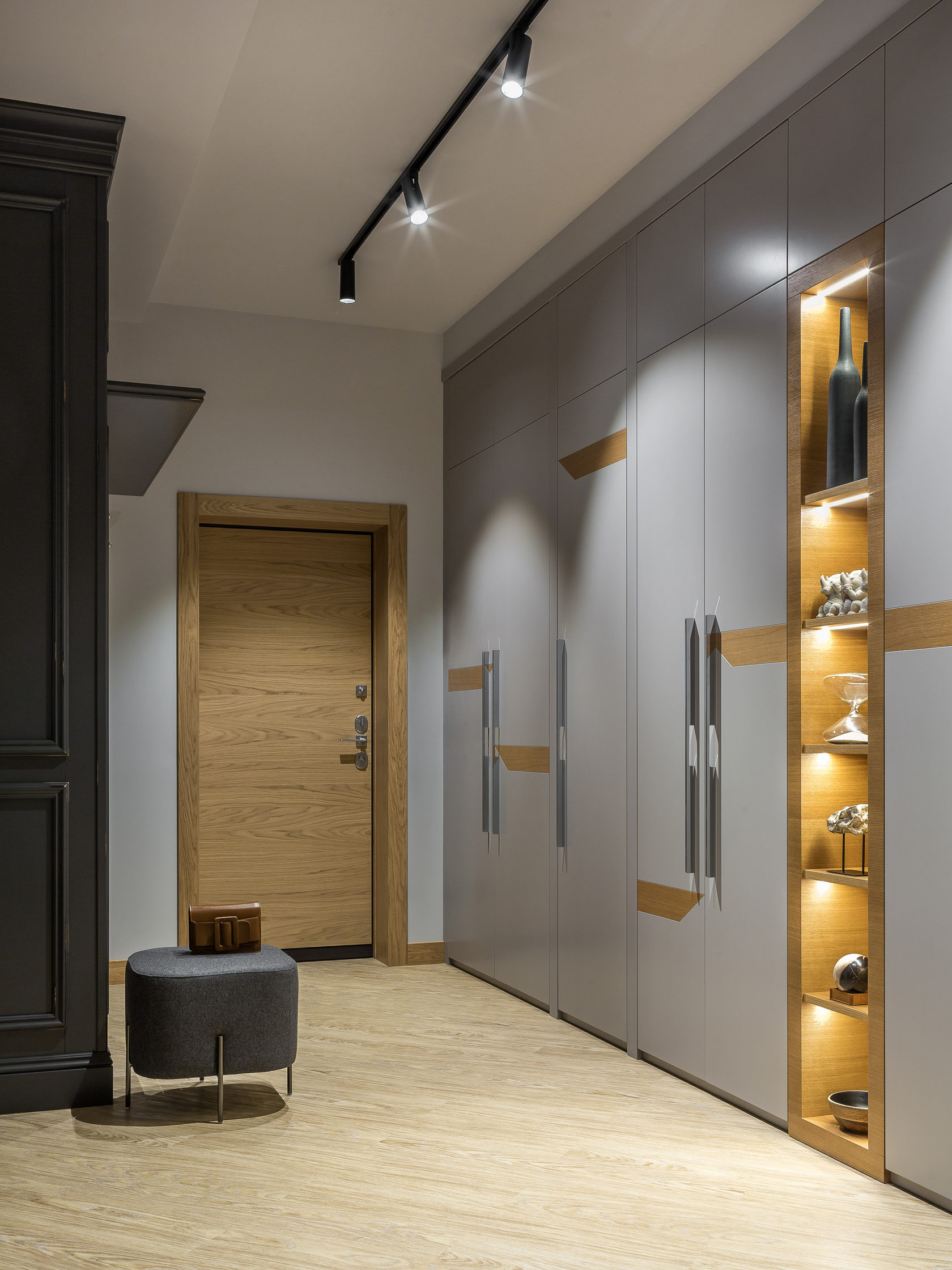 освещение коридора с антресолями фото кислота