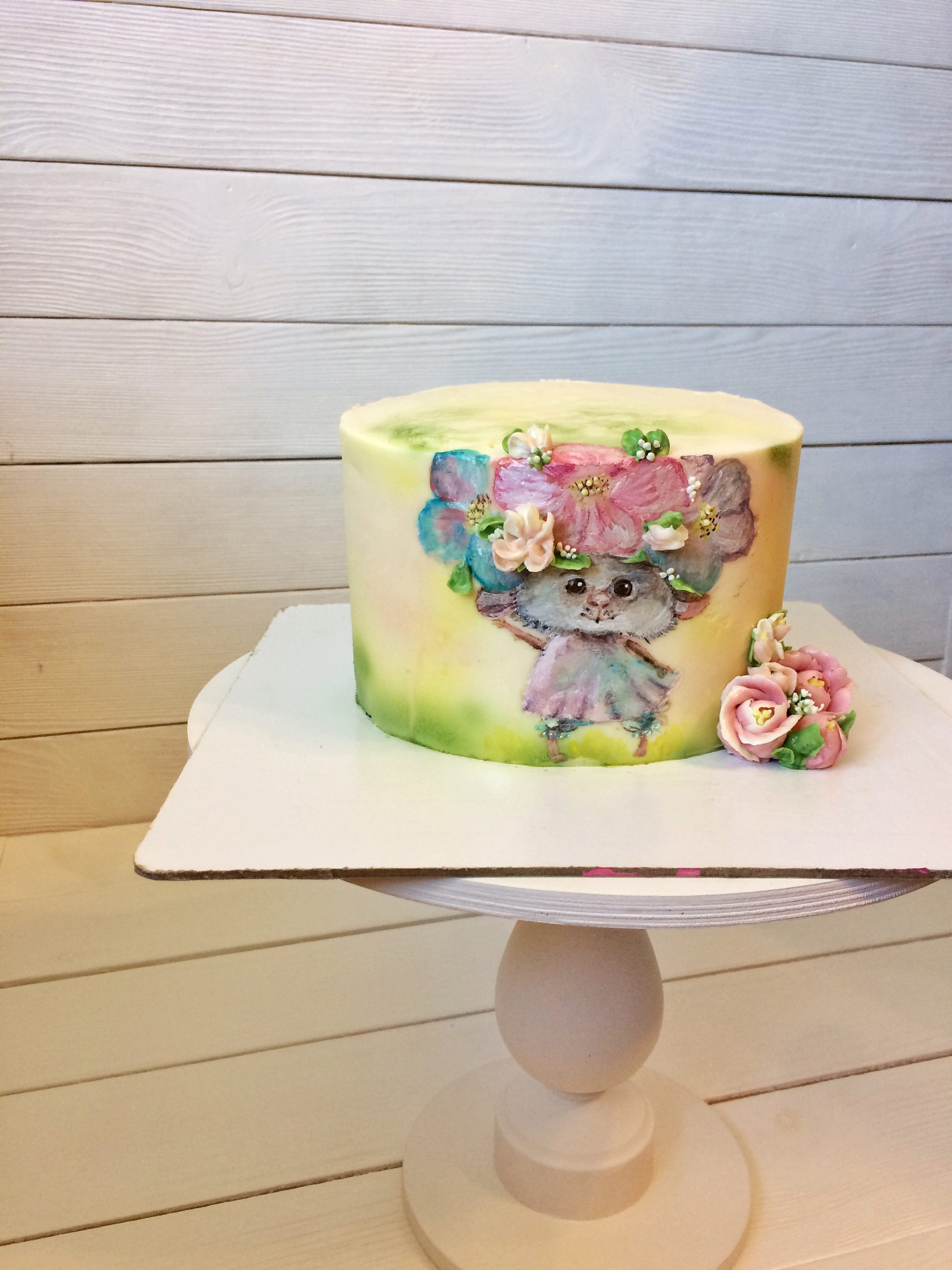 Любовь, рисунок на торте красителями на креме
