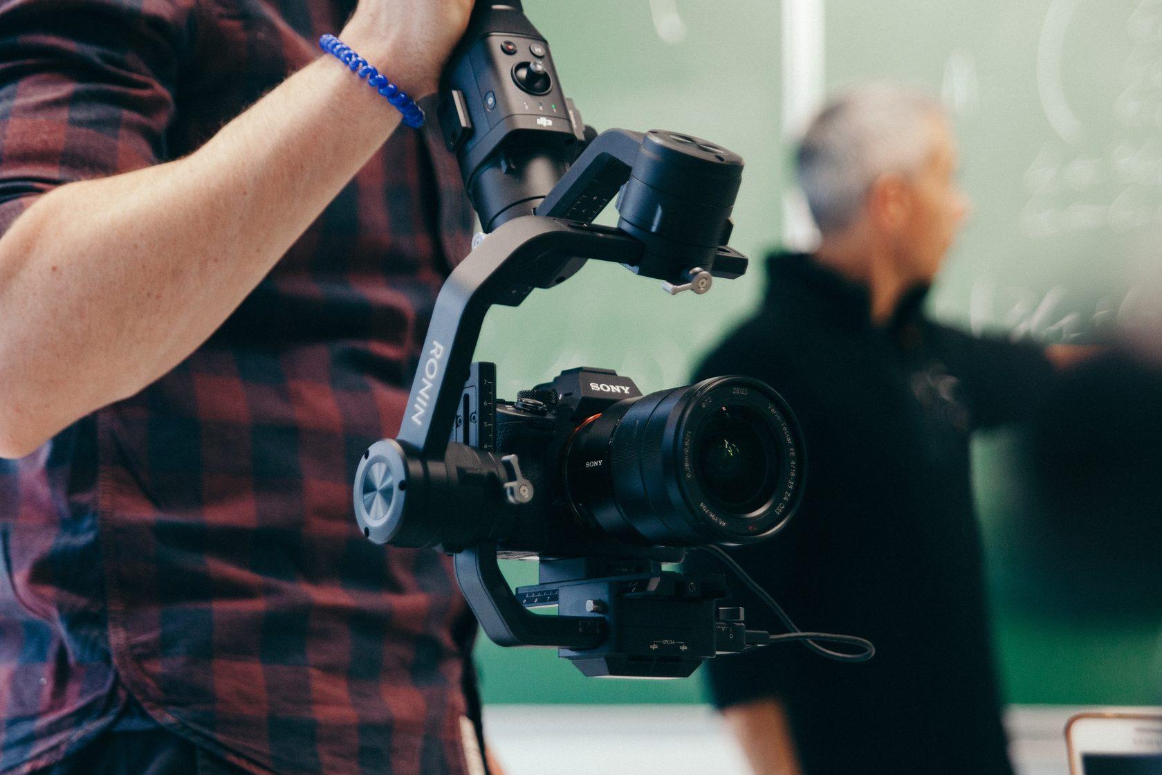 Час стоимость видеооператора за машино часа пример расчет стоимости