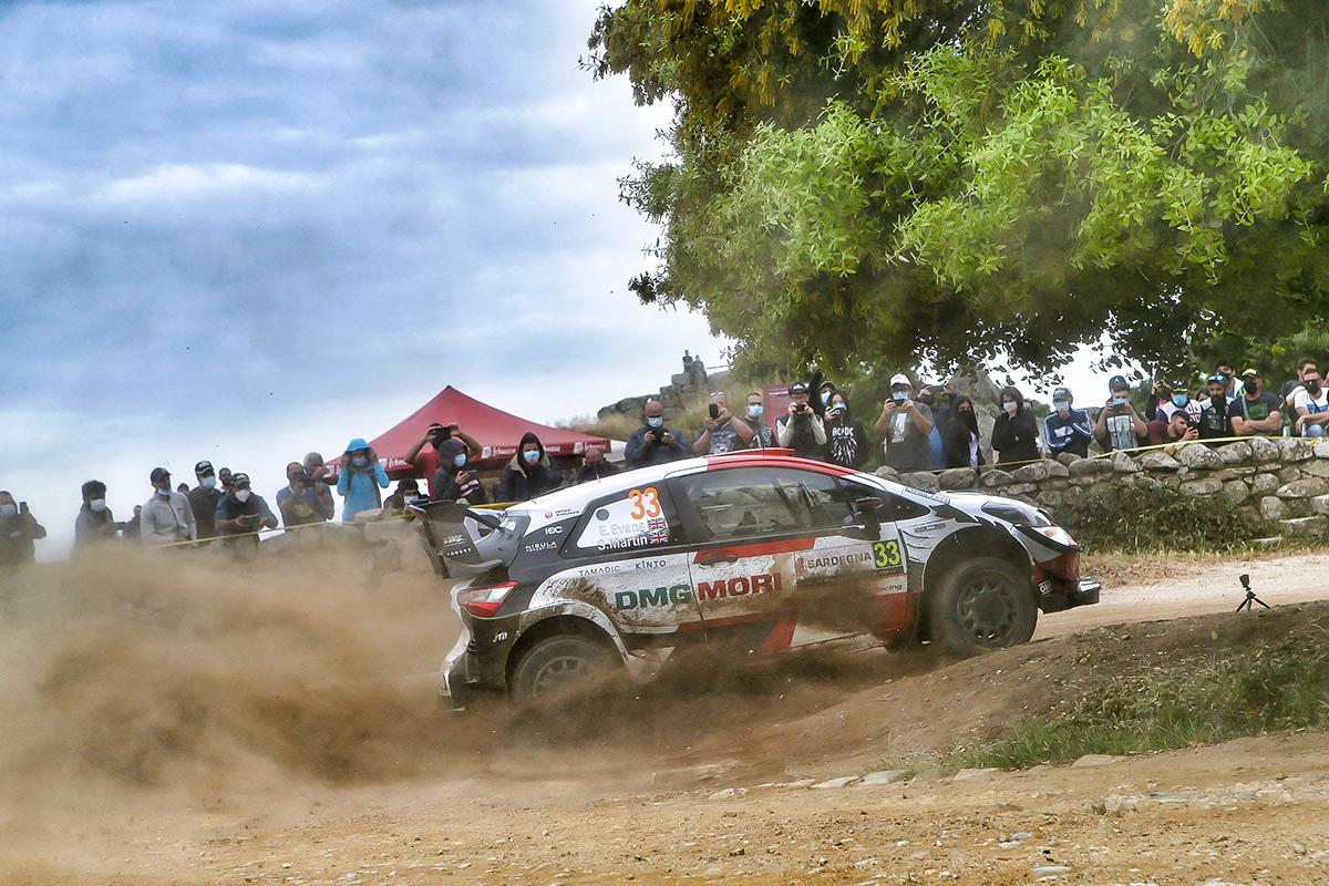Элфин Эванс и Скотт Мартин, Toyota Yaris WRC, ралли Сардиния 2021