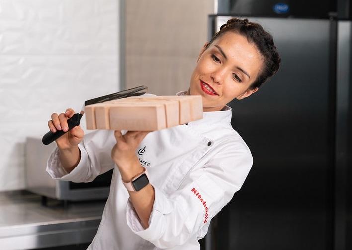 confectioner Dinara Kasko
