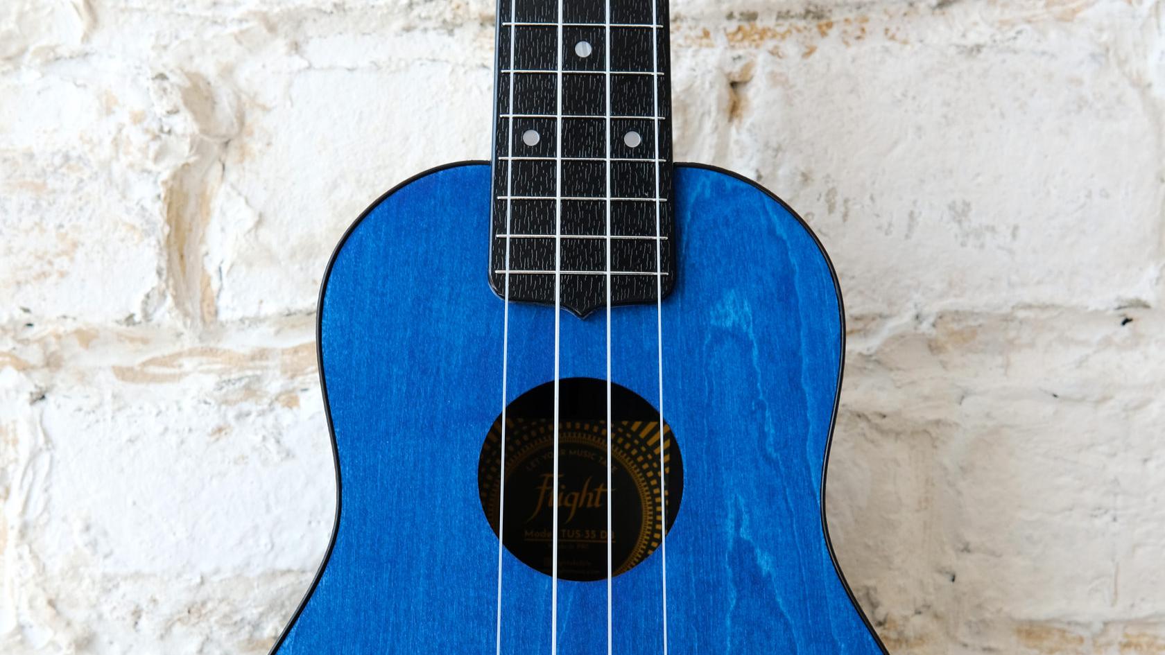 Купить укулеле сопрано Flight TUS в магазине ukelovers, ukulele Flight, travel ukulele