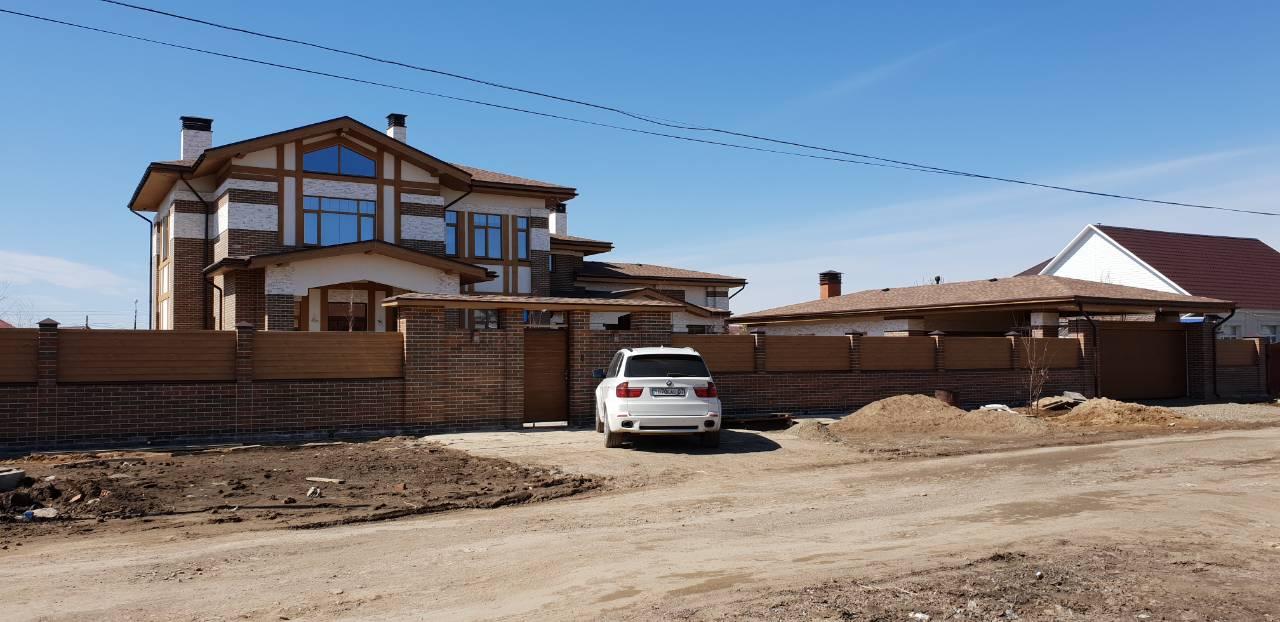 Реализованный проект дома, гаража и благоустройства участка в Казахстане