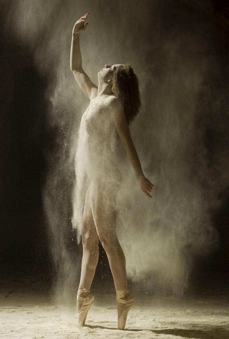 Fairies dancing naked — photo 10