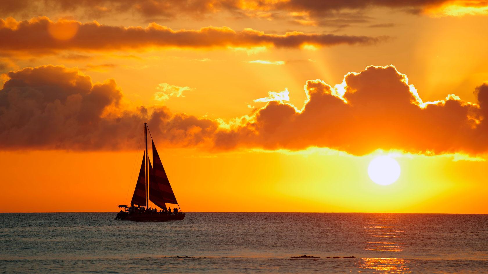 нас фотографии кораблей на солнце есть среди них