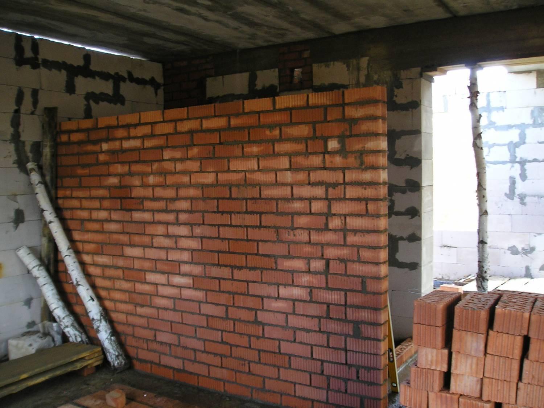 как сделать стенку из кирпича
