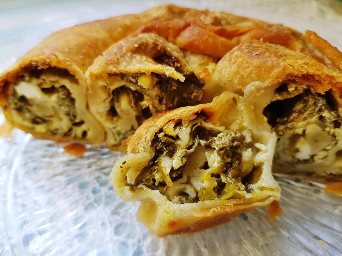 Пирог из фило (домашнее тесто) с сыром и шпинатом. Вкусный Израиль.