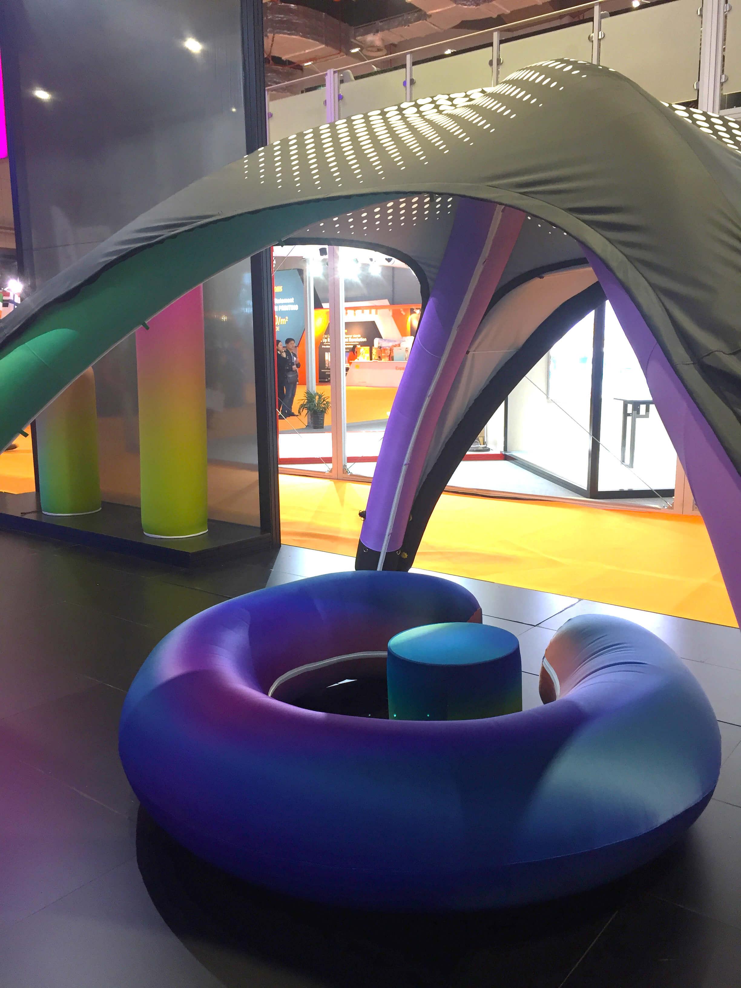 Надувная уличная мебель для фестивалей, палатки с бредированием под заказ и уличные надувные тенты Farberg