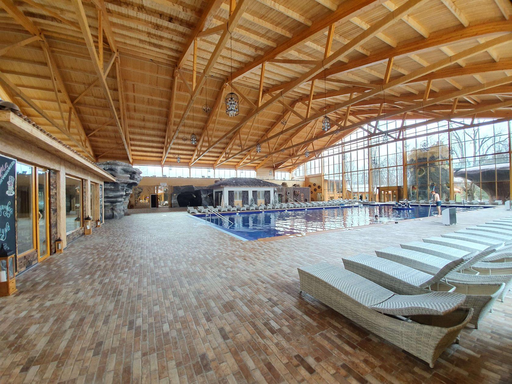 Парк отель Солнечный бассейны
