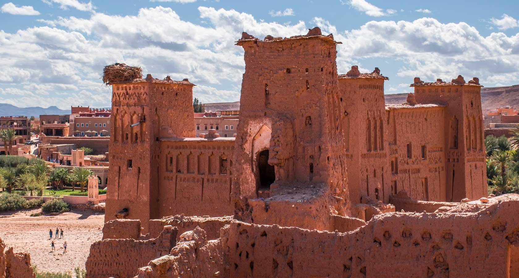 касба крепость ксар долина реки драа в пустыне марокко