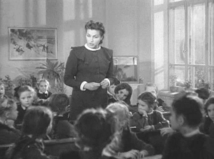 школа превратилась в магазин знаний для избалованных детей