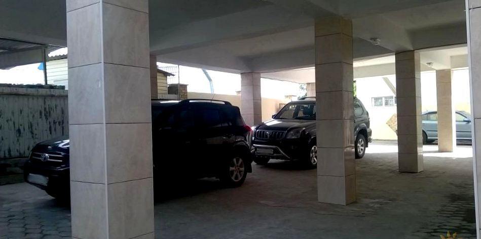 Парковка в отеле Дельфин, Лермонтово