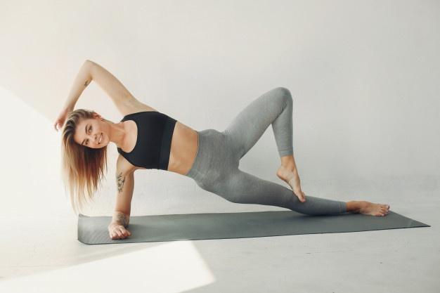 Домашняя йога для начинающих видео