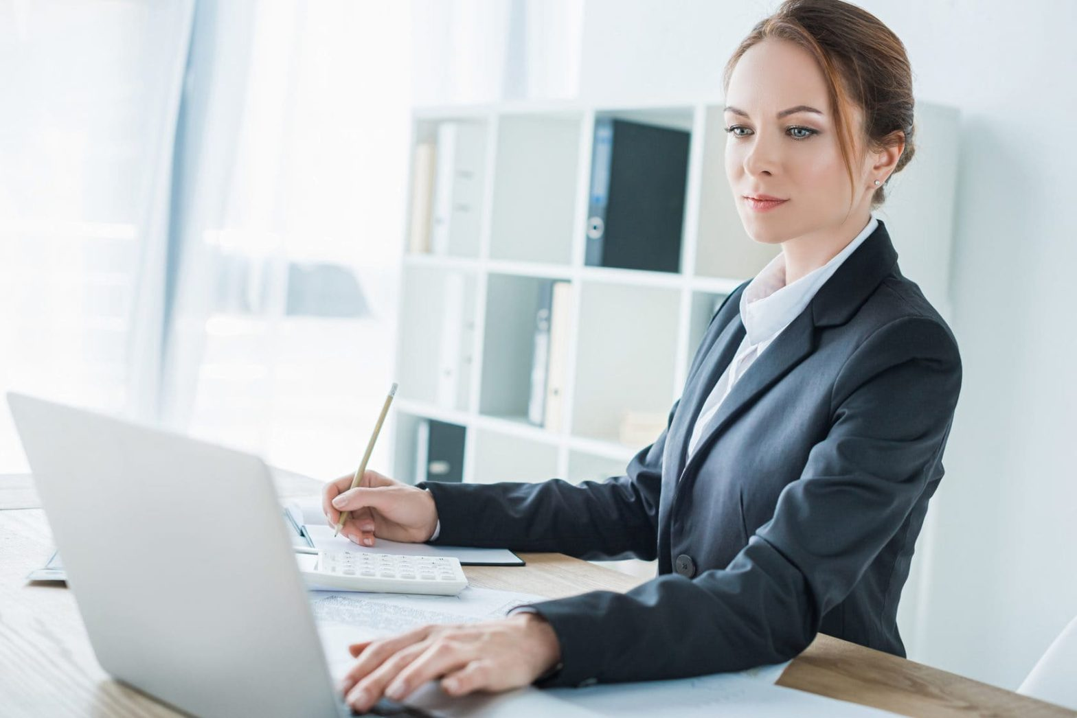 вакансии бухгалтер в москве удаленная работа