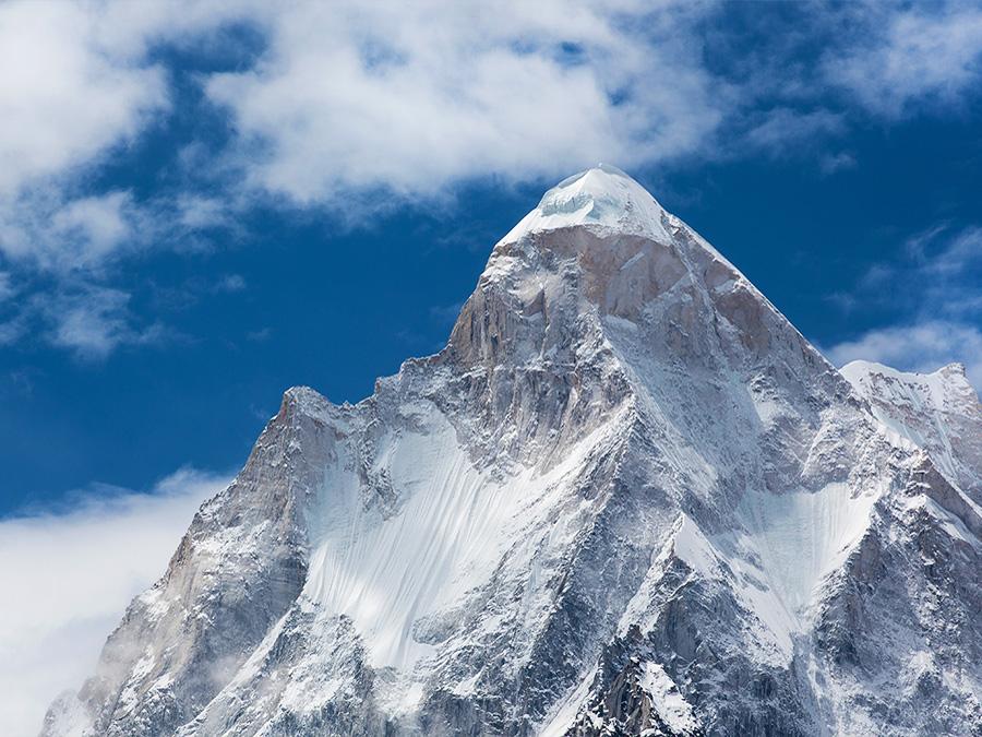 Величественная гора Шивлинг, высота которой составляет 6543 метра