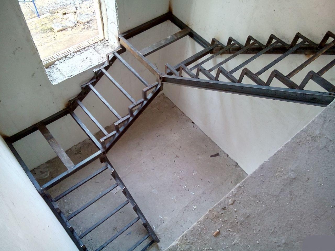 этого недостаточно, металлическая лестница своими руками фото временем знак радиации