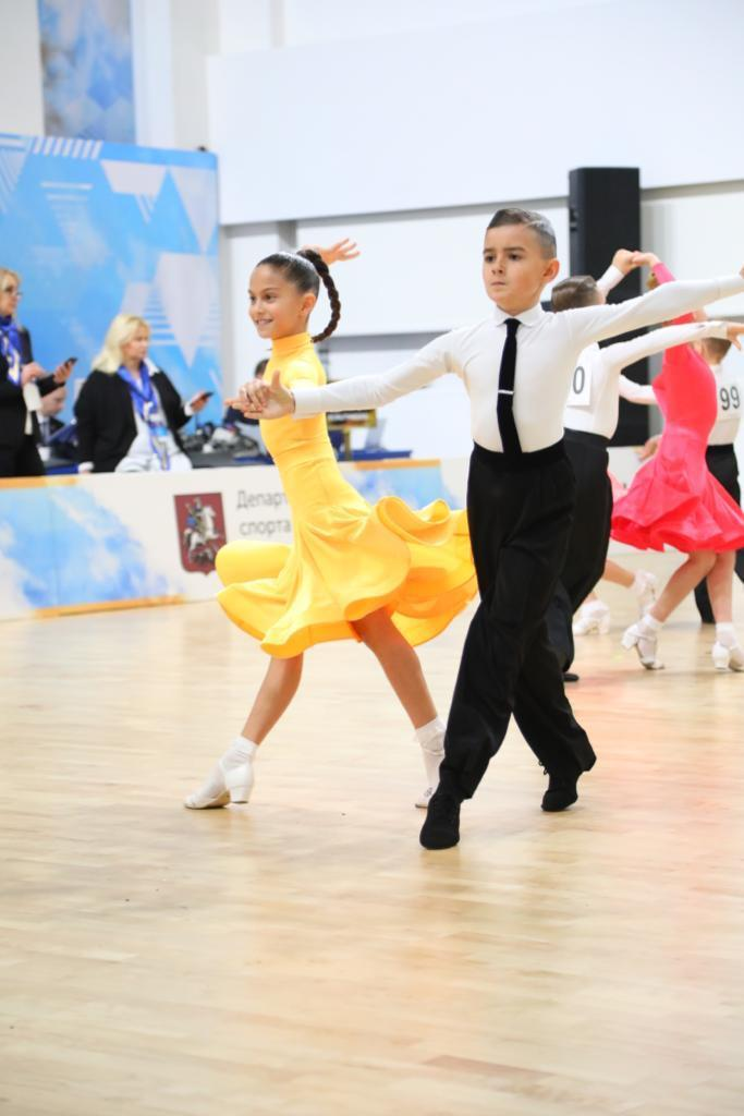 Бальные танцы русский клуб москва эротическое шоу в россии