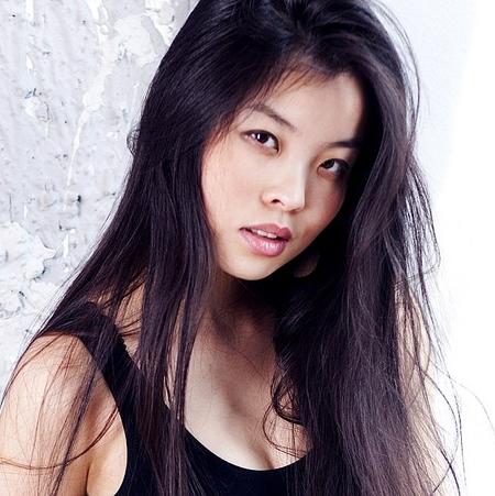 Модели азиатской внешности москва работа в автосалоне в москве для девушки