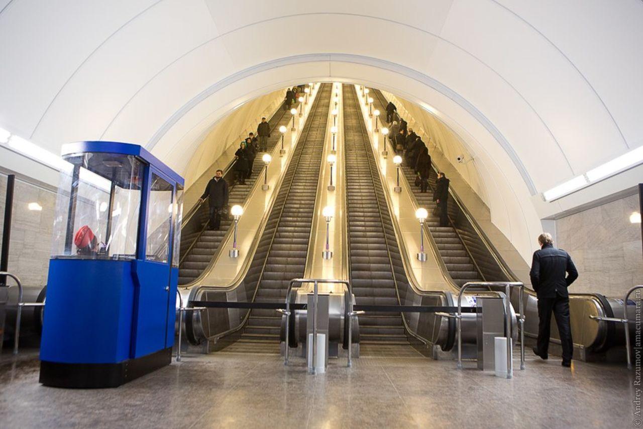 Вашему дому, картинки метро санкт-петербурга