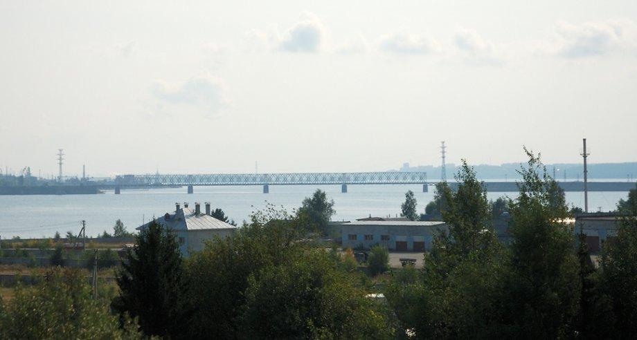 Появление нового моста позволит сократить почти на 300 км автомобильный маршрут Москва – Пермь – Екатеринбург – Ханты-Мансийск (фото: Lite / Wikipedia)