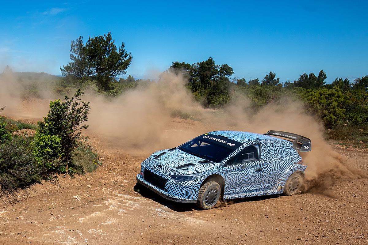 Тесты автомобиля Hyundai 2022 года