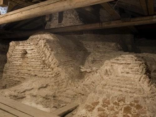 Спрятанный под скатной кровлей кокошники Спасо-Преображенского собора в Полоцке.