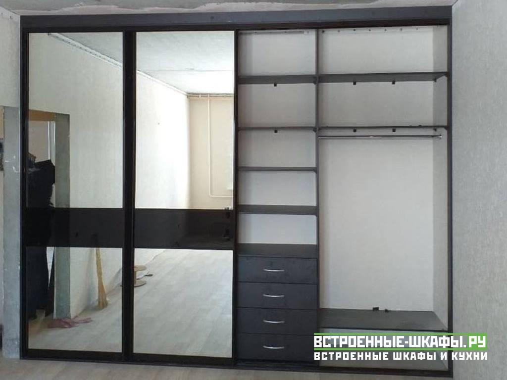 Встроенный шкаф купе зеркальный