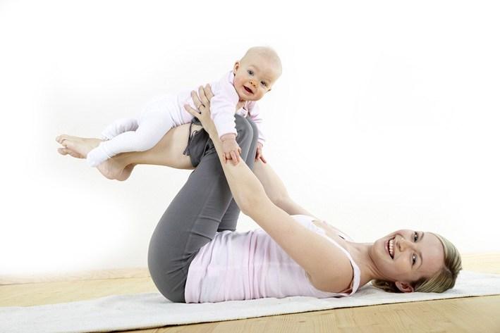 Йога для мам с детьми Киев