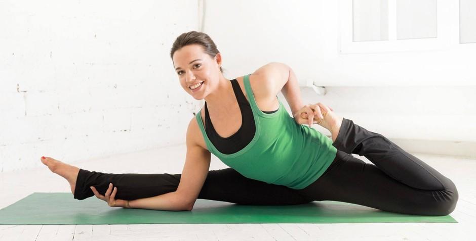 Как помогает йога беременным