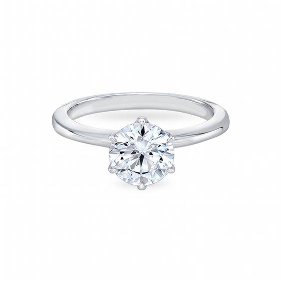 Как выбрать кольцо для помолвки  Более 28 вариантов колец с ... bdec1e3b963