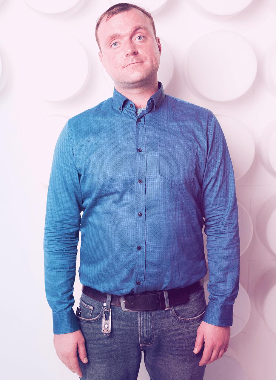 Станислав Тишенков специалист по работе с клиентами центра марка бартона