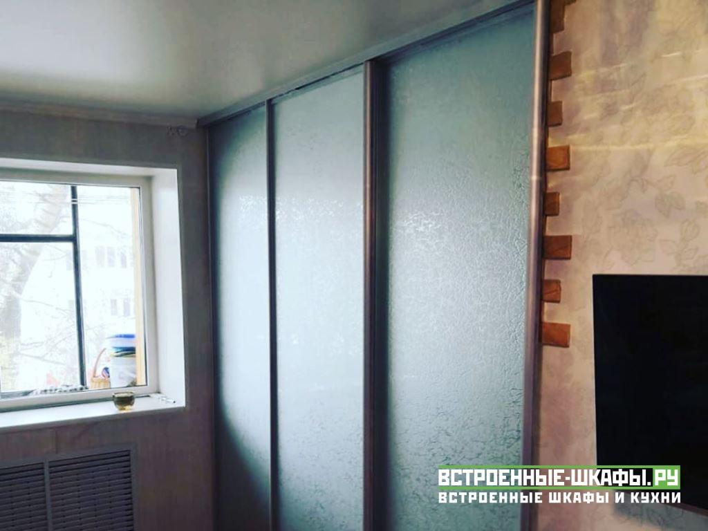Двери купе для разделения кухни и комнаты
