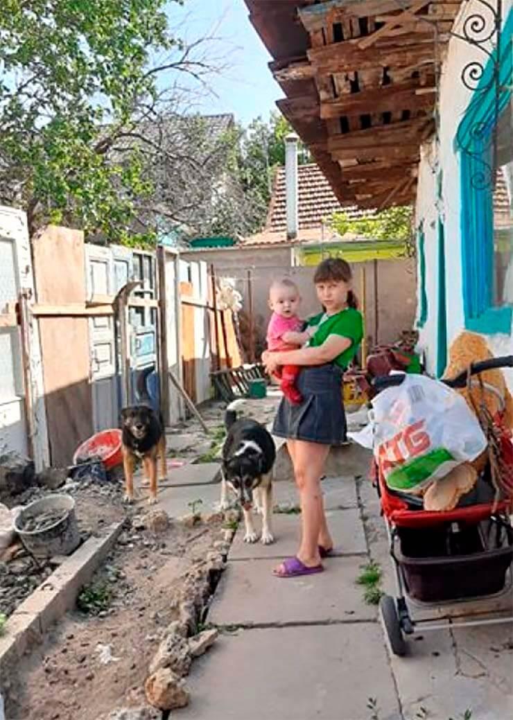Малоимущая семья из Херсона - фото
