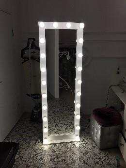 Напольные гримерные зеркала