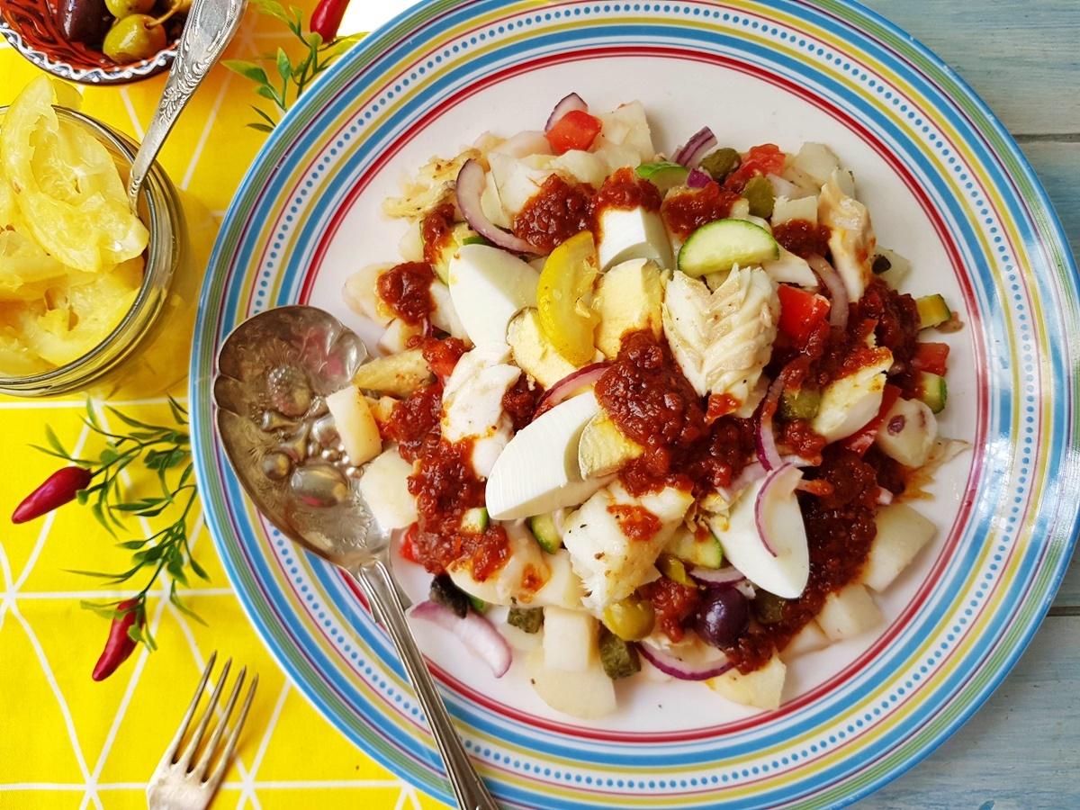 Тунисский салат с рыбой, картошкой и квашеными лимонами. Фото рецепт. Вкусный Израиль.