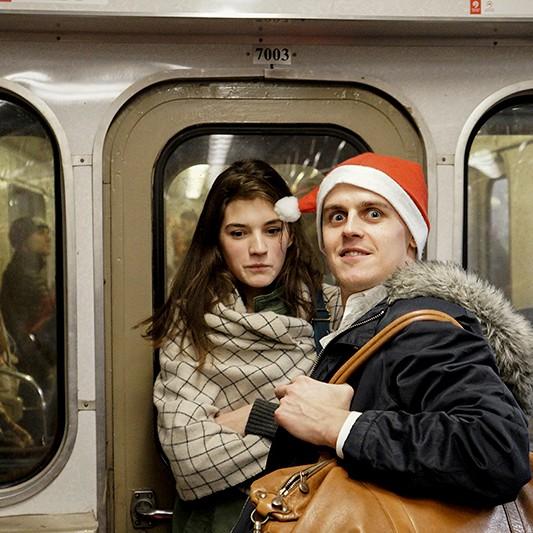 Девушку гладят в метро, фильмы азиатками лифте