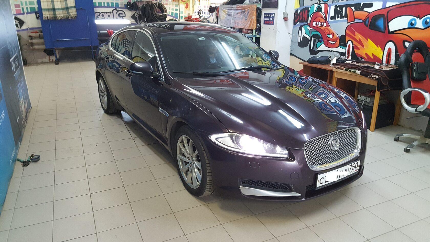 Jaguar XF автозвук