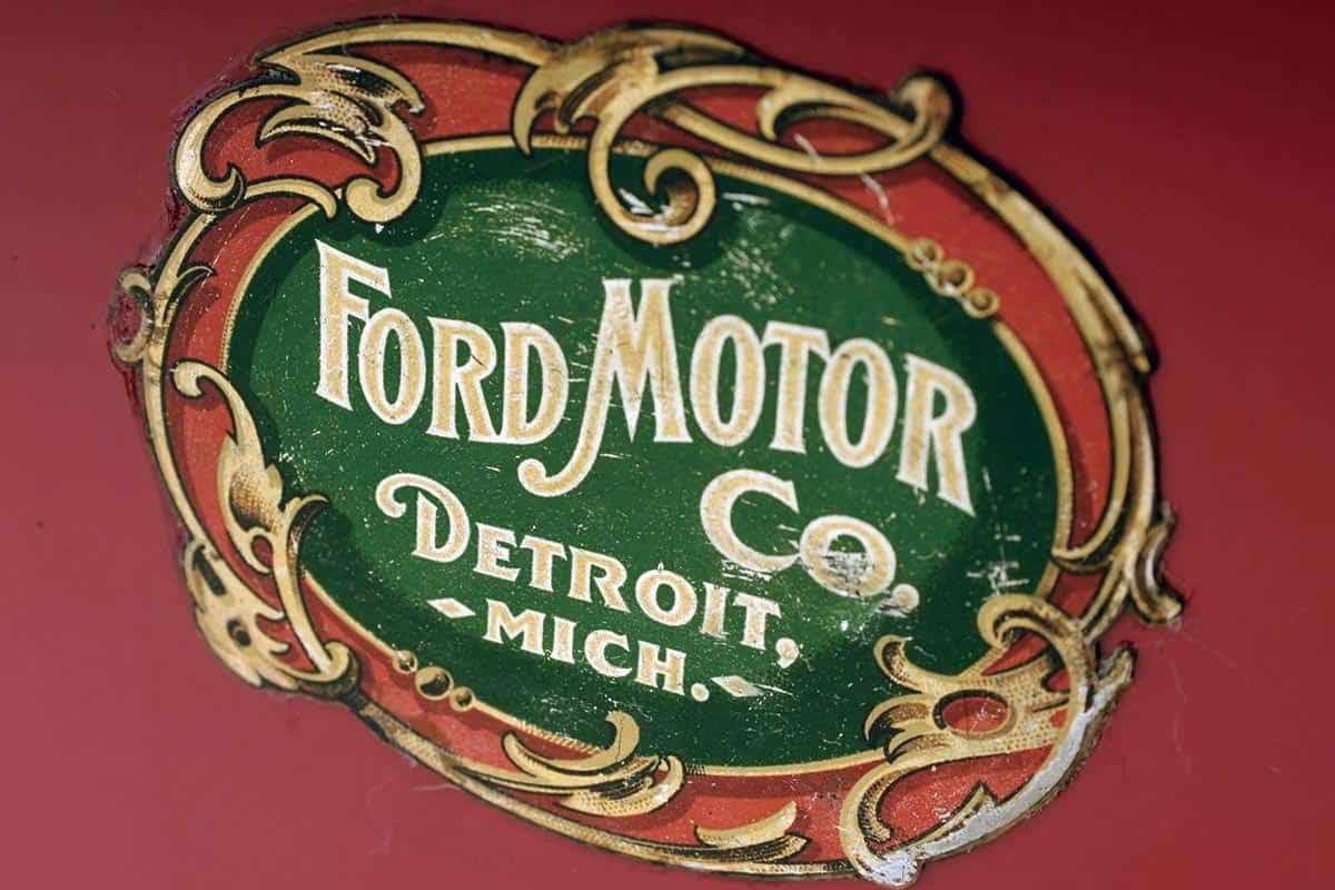 Самая первая эмблема компании «Форд»
