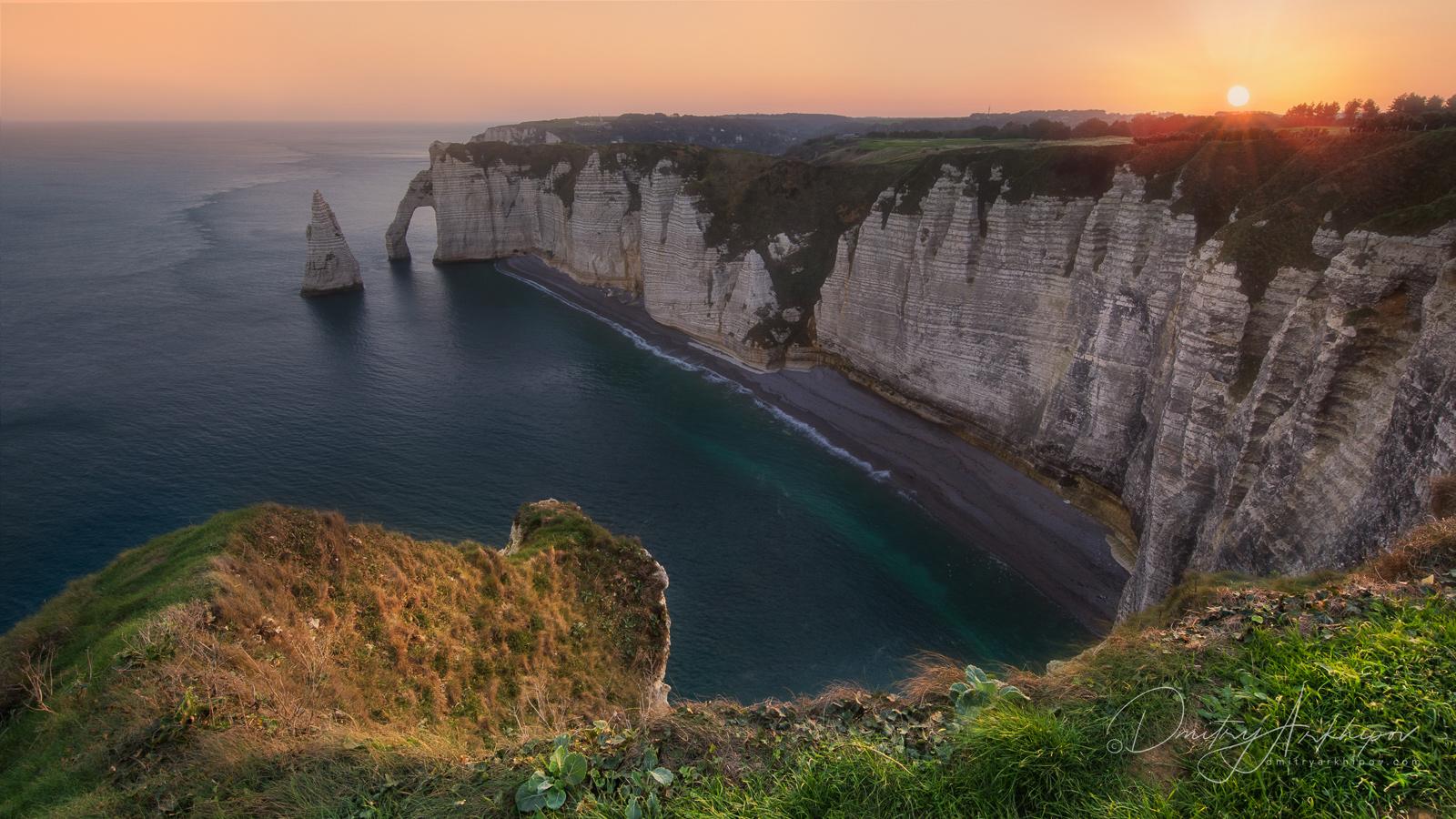 Рассветная съемка арок в Этрета, Нормандия