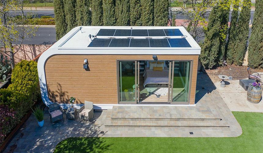 MIGHTY STUDIO: 350 sq.ft., 25' x 14'