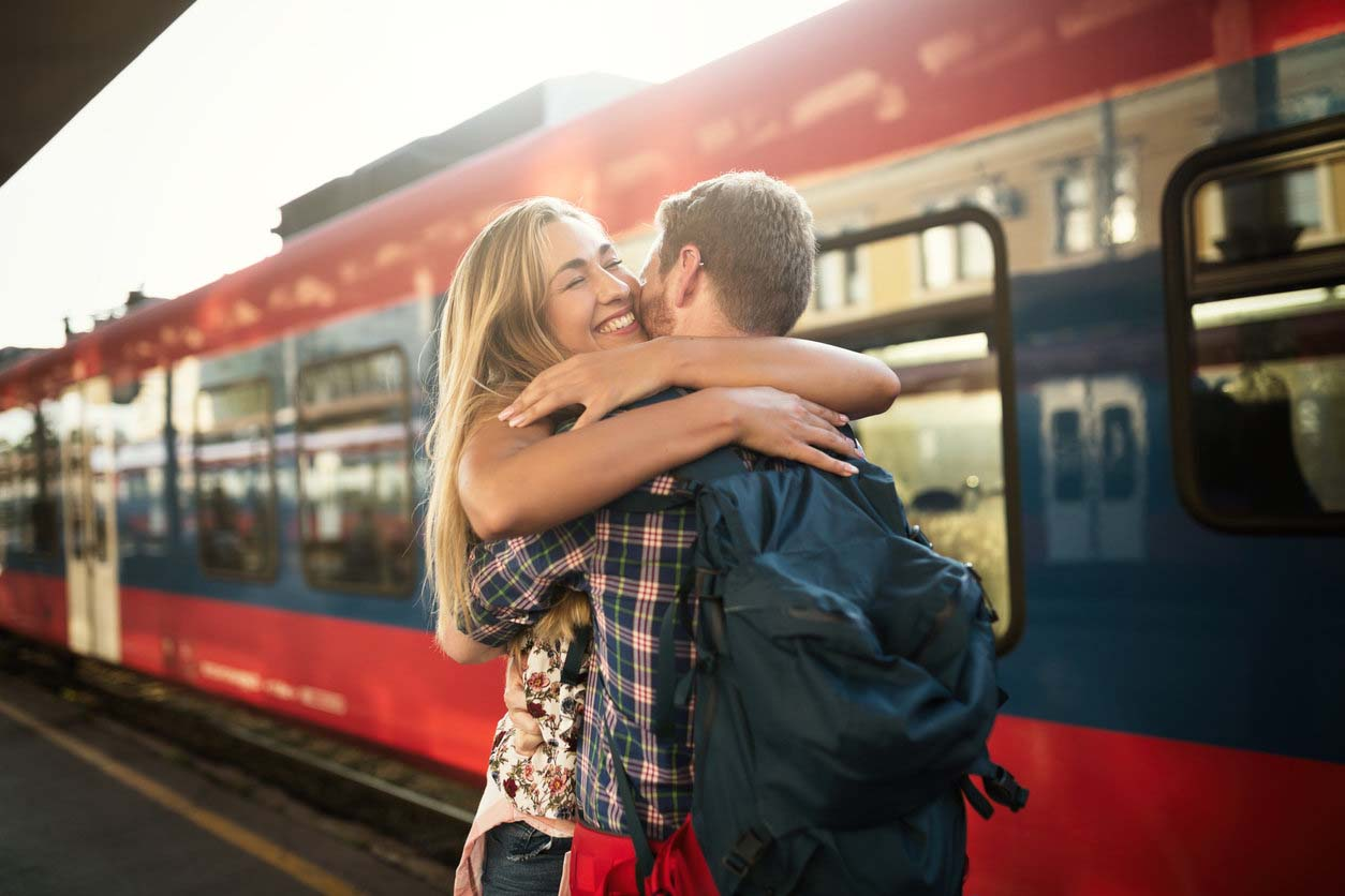 картинки навстречу поезду очень удобно