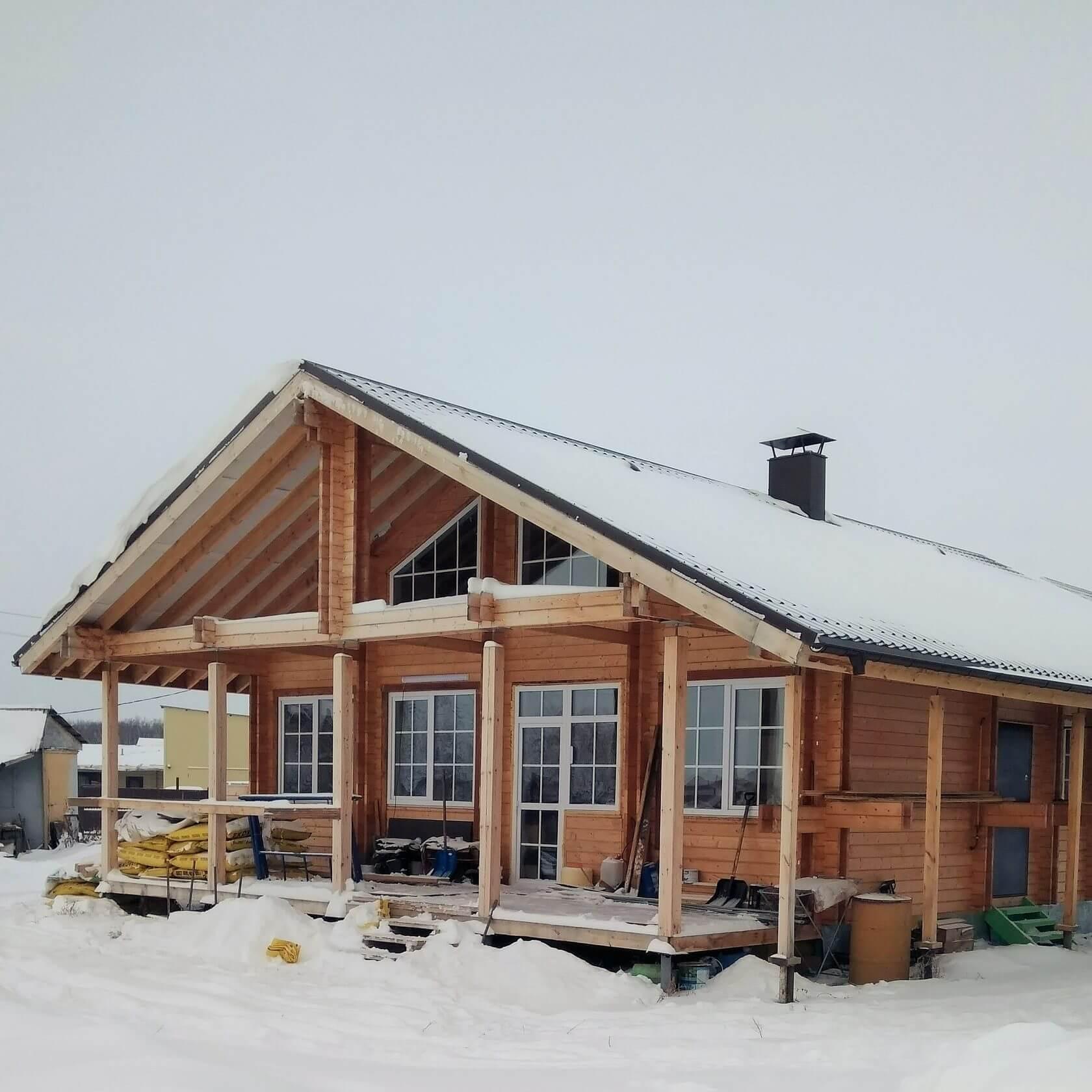 Деревянный дом около озера Чебаркуль, где мы делали приточно-вытяжную систему вентиляции с рекуперацией.