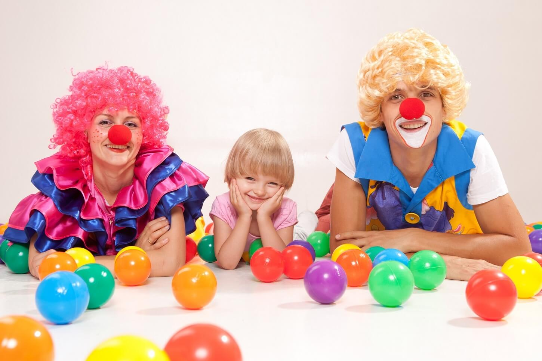 Картинки клоун с детьми